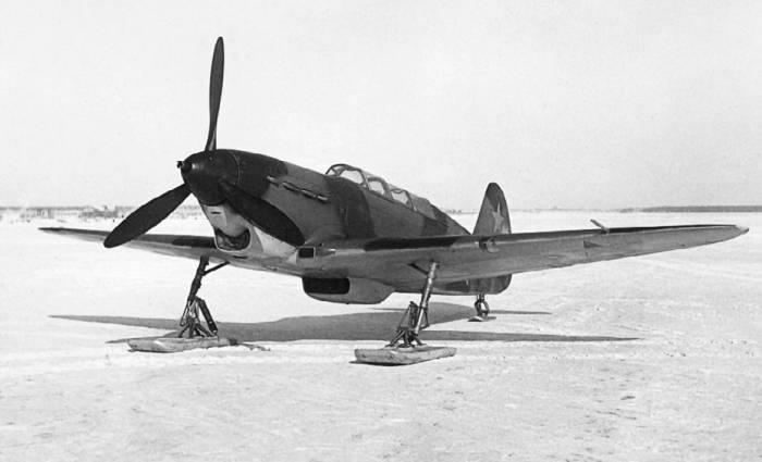 Як-7В на лыжном шасси