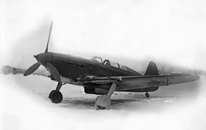 Як-7М с мотором М-105 (выпущен заводом №301 и модифицирован на заводе №115). Декабрь 1941г.