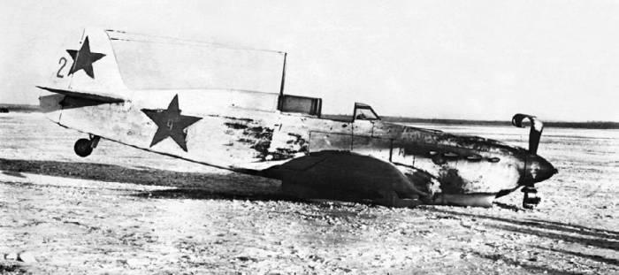 Як-7Б (заводской №30153142, выпущен заводом №153), 10-я Воздушная армия. Аварийная посадка на аэродроме Гаровка-1 17 января 1943 года