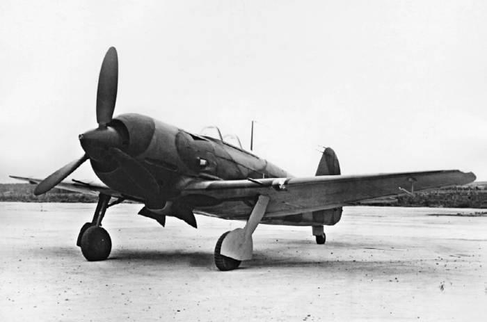Як-7 с мотором М-82