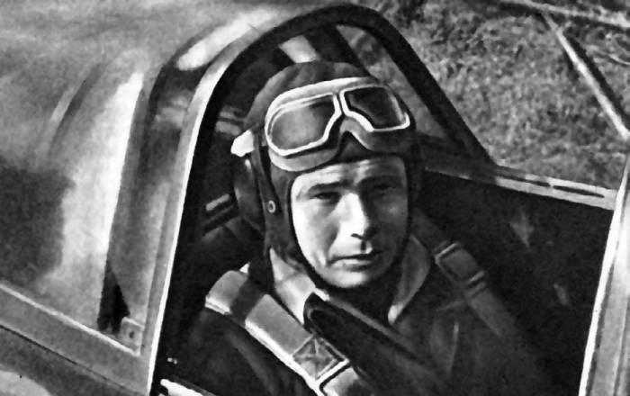 Пилот полка «Нормандия – Неман» Франсуа де Жоффр в кабине Як-3