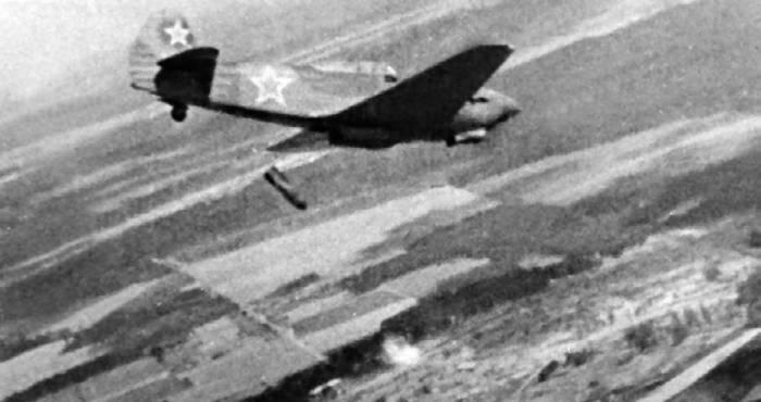 Як-9Б, сброс ФАБ-100