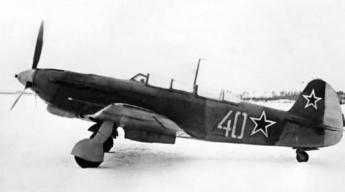 Самолет-истребитель Як-9С