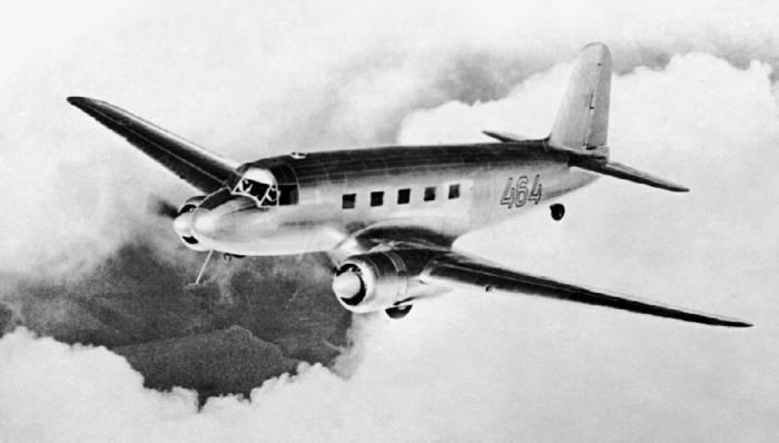 Пассажирский самолет Як-16