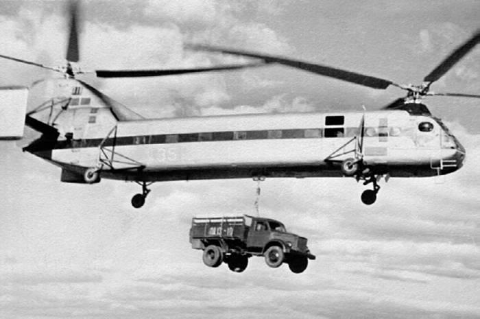 Транспортировка автомобиля ГАЗ-53 на внешней подвеске