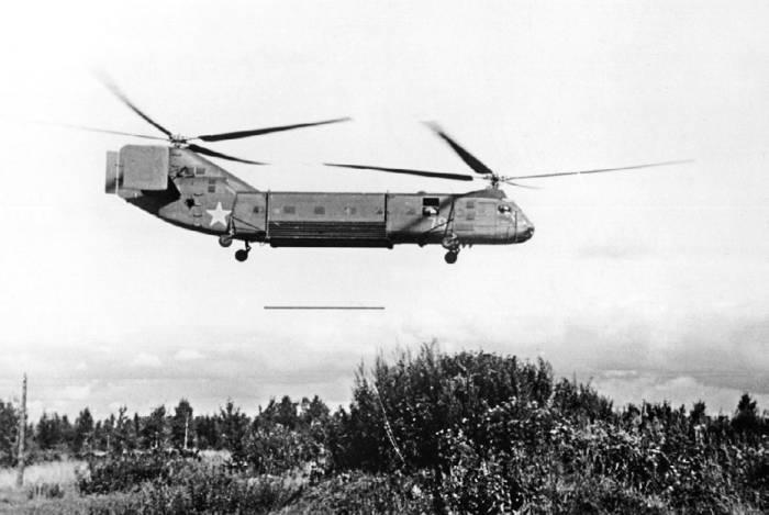 Як-24 в варианте трубоукладчика