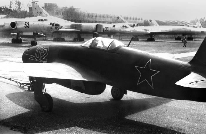 Як-17 в экспозиции Монинского музея ВВС