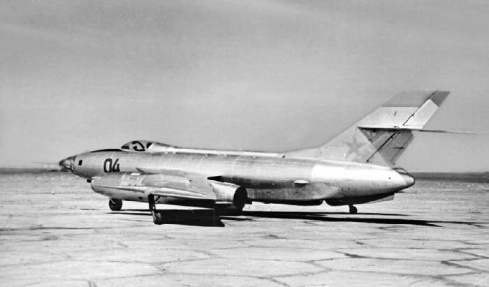 Як-27Р №0407, оборудованный разведывательно-корректировочной аппаратурой «Буревестник», 1961 год