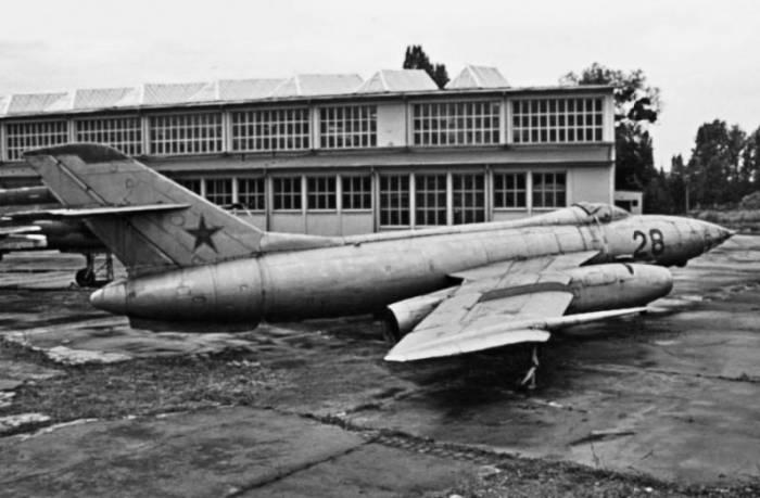 Як-27Р, оставшийся, видимо, в Германии после вывода советских войск