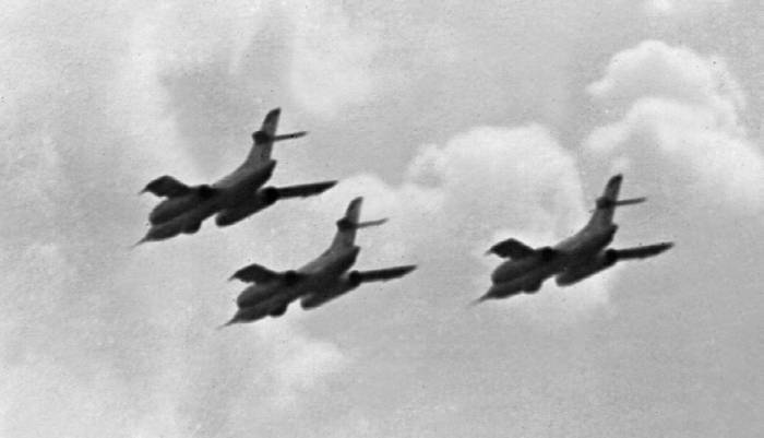 Як-28И на авиационном параде
