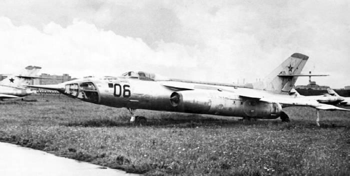 Як-28И с демонтированной РЛС «Инициатива-2»