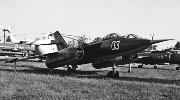 Учебно-тренировочный самолет Як-28У