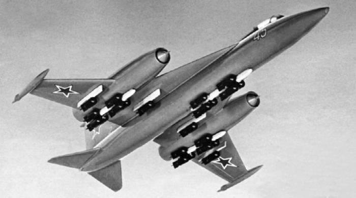 Рисунок самолета-штурмовика Як-45Ш