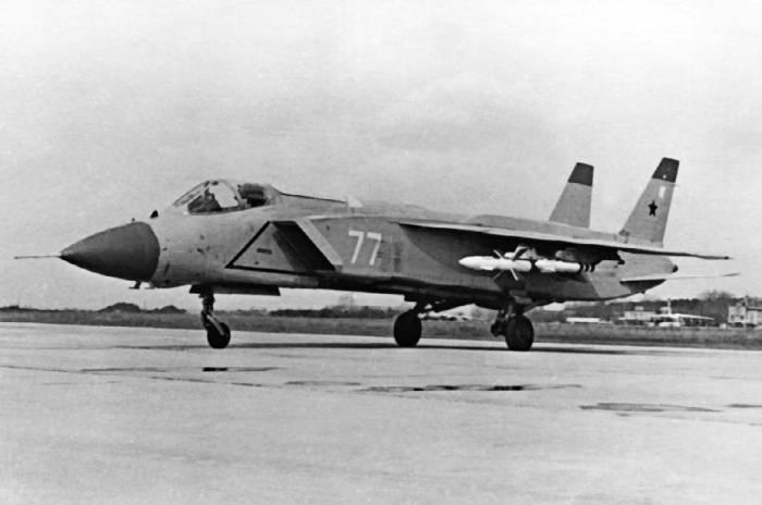 Як-141 с реактивным вооружением