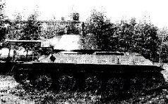 Цех еще не достроен, а производство Т-34 уже ведется. ЧКЗ, август 1942 г.