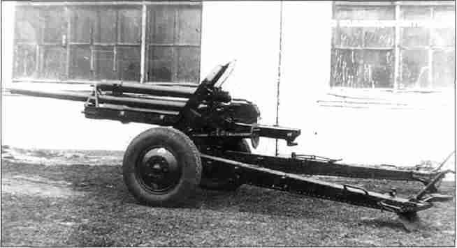 76-мм дивизионное орудие обр. 1939/41гг. ЗИС-22 (Ф-22 УСВ), одно из основных советских противотанковых средств летом 1943г. (Фото из коллекции авторов).