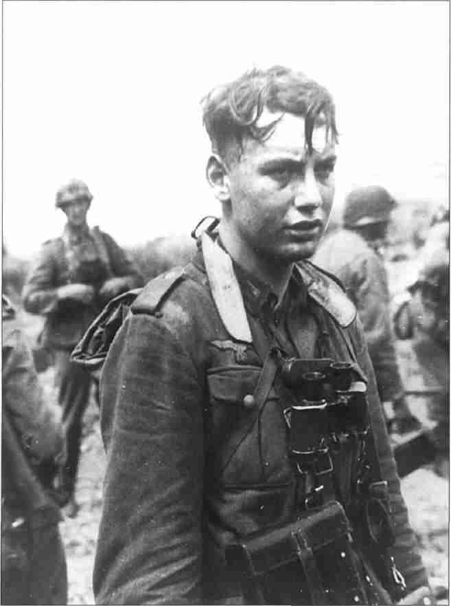 Гренадер после боя. Август 1943г. (Фото из коллекции авторов).