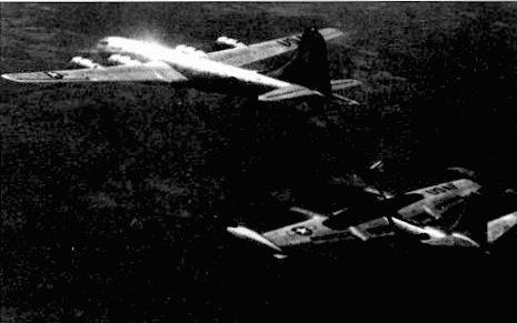 RB-45C из91-й эскадрильи стратегической разведки заправляется у KB-29Р из 91-й заправочной эскадрильи. Корейская война. RB-45C нуждались в дозаправке, когда вылетали на разведку районов, лежащих к северу от реки Ялуцдзян.