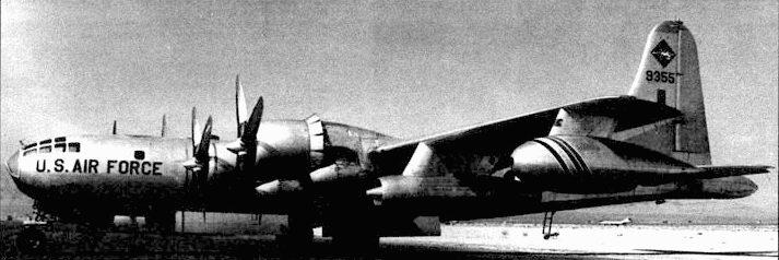 KB-50J «Miss Bea» из 421-й заправочной эскадрильи. 1964 год. Многие KB-50J имели дополнительные двигатели «Дженерал Электрик J47», которые позволяли увеличить скорость и потолок самолета, что облегчало взаимодействие с реактивными истребителями.