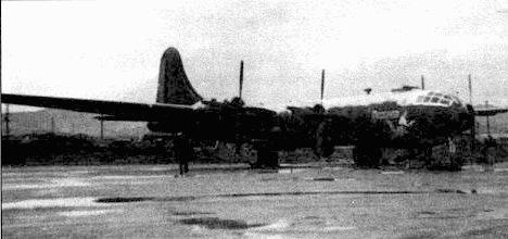 В-29 «Reserved» из 98-й группы. Йокота, Япония, конец 1951 года. Нижняя сторона самолета выкрашена блестящей черной краской – ночной камуфляж.