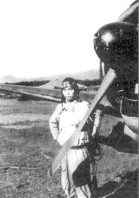 Лейтенант Йохеи Хиноки возле своего Ки-43-1-Хей, начало 1942 года.