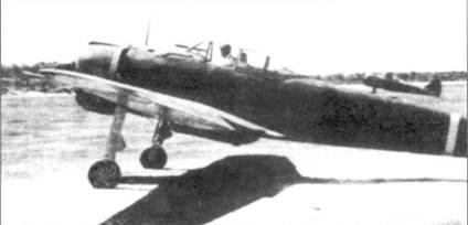 Старший сержант Чоичи Окуяма из 64-го сентая вылетает на своем Ки-43-1- Хей для атаки на Палембанг, 7 февраля 1942 года. Из этого вылета Окуяма не вернулся. Окуяма был сбит в районе Палембанг «Харрикейнами» Mk IIВ из 258-го дивизиона. На заднем плане виден предшественник Ки-43 — истребитель Накадзима Ки-27.