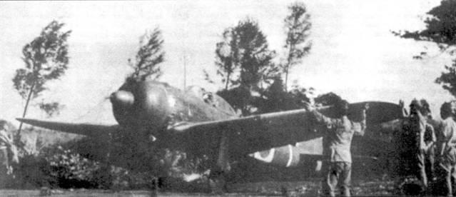 Взлетающий Ки-43-II из части территориальной обороны, весна 1945 года.