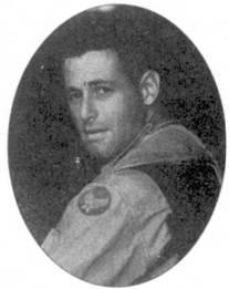 Капитан Джеймс Горовиц окончил Вест-Пойнт в 1945г. МиГ-15 он сбил 4 июля 1952г. на истребителе F-86E в составе 335-й эскадрильи 4-го авиакрыла. Горовиц под псевдонимом Джеймс Салтер опубликовал роман «The Hunters» о летчиках «Сейбров» и войне в Корее.