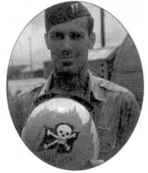 Капитан Клиффорд Д. Джолли стал 18-м реактивным асом ВВС США, всего в Корее он сбил семь МиГов. На своем шлеме Джолли попросил Карла Диттмера изобразить череп с костями, подобные художества Диттмера украшали еще и носы трех «Сейбров».