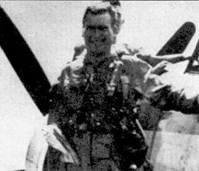 Из этого боевого вылети Питер Кармичел (802-я эскадрилья Royal NAVY) вернулся победителем. Снимок сделан на палубе авианосца «Оушен» 9 августа 1952г. после того как Кармичел сбил МиГ-15.