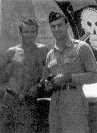 Ас Джолли сфотографировался вместе с механиком сержантом Эрни Балачем на фоне своего истребителя F-86E-1Q-NA. Самолет украшен живописью Карла Диттмера. Диттмер сбил по одному Мигу-15 1 августа и 9 сентября 1952г. Джолли все семь своих побед одержал в период одной корейской командировки в составе 335- й эскадрильи.