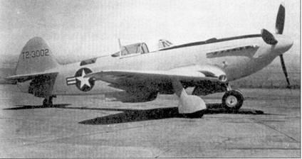 На момент начала войны самым совершенным истребителем ВВС КНДР являлся поршневой самолет Як-9 советской конструкции. Большинство Яков были поставлены корейцам в варианте Як-9П, «П» — пушечный. Самолеты этого типа имели большой радиус действия, мощный двигатель, сильное вооружение и могли представлять серьезную угрозу американским истребителям. Однако уровень подготовки корейских летчиков и отсутствие советских наставников не позволили раскрыть в боях сильные стороны Яка. В июне-июле 1950г. американцы сбили примерно 20 северокорейских самолетов, большинство из которых составили Як-9. На снимке — истребитель Як-9П, захваченный союзниками на одном из аэродромов после успешной десантной операции сил ООН в Инчххоне. Самолет был в 1951г. изучен в Крнуэлльской авиационной лаборатории, а потом испытан в центре Райт-Паттерсон. В 50-е годы машина демонстрировалась в музее ВВС США. К сожалению истребитель утилизировали вскоре после того, как был сделан этот снимок.