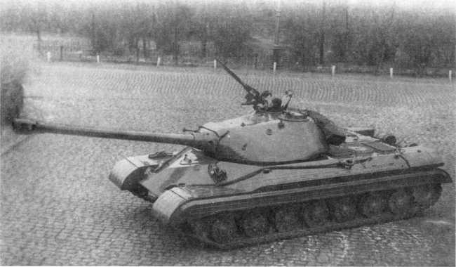 2.Опытный образец танка «объект 730», вид сверху. Сентябрь 1949 года (РГАЭ).