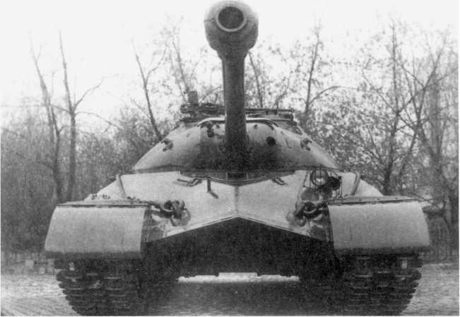 3.Опытный образец танка «объект 730», вид спереди. Сентябрь 1949 года, Хорошо виден ствол 12,7-мм спаренного пулемета ДШК (РГАЭ).
