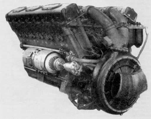 27.Двигатель В12-5 танка Т-10 (РГАЭ).