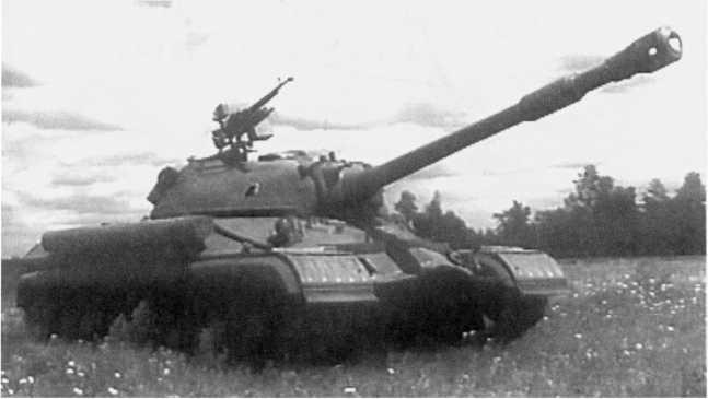 37.Тяжелый танк Т-10Б, общий вид (кадр учебного кинофильма).