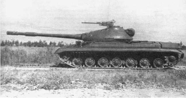 48.Тяжелый танк Т-10М, вид слева. Хорошо видна зенитная установка 14,5-мм пулемета КПВТ (АСКМ).