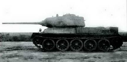 Танк Т-43 серийный, вооруженный опытным образцом 85-мм пушки Д-5Т. Осень 1943 г.
