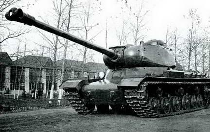 ИС-122 («Объект 240») вид спереди. 1943 г.