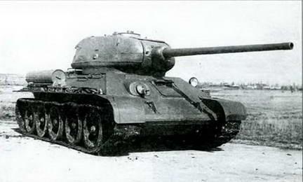 Танки Т-34-85М первого варианта. Май, 1944 г.