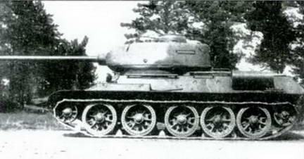 Танки Т-34-85М второго варианта. Май, 1944 г.
