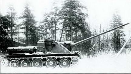 Испытания орудия Д-10-85 в артсамоходе СУ-100. 1945 г.