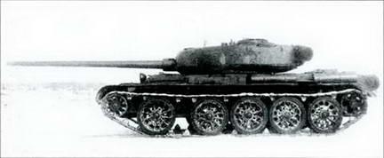 Танк Т-54, на испытаниях. Вид слева.