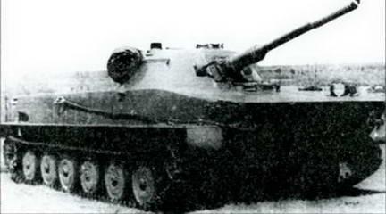 Один из первых образцов танка ПТ-76. НИБТполигон 1950 г.