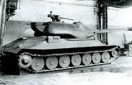 Деревянная модель танка«Объект 260» в натуральную величину. 1946 г.