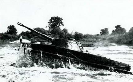 Танк ПТ-76 с 76-мм орудием Д-56ТМ выпуска после 1954 г.