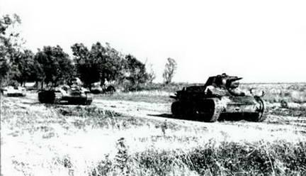 Советские танки атакуют. Южнее Курска, июль 1943 г.
