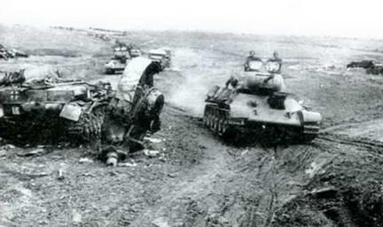 Советская танковая часть в наступлении. Южнее Курска, июль 1943 г.