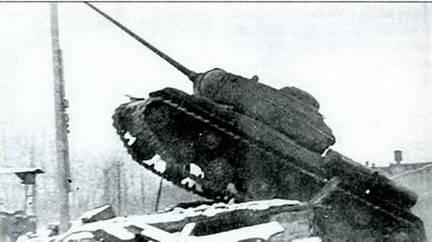Испытания танка ИС-85 № 2с 85-мм пушкой Д-5Т под Челябинском. Лето 1943 г.
