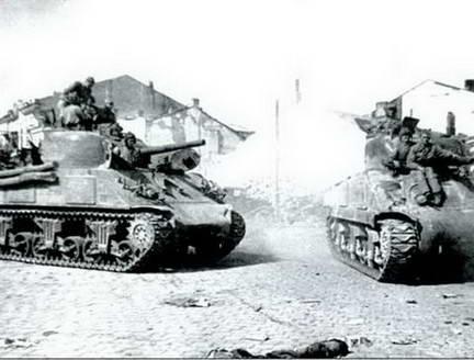 Средние танки М4А2 «Генерал Шерман» в Красной армии. Румыния, 1944 г.
